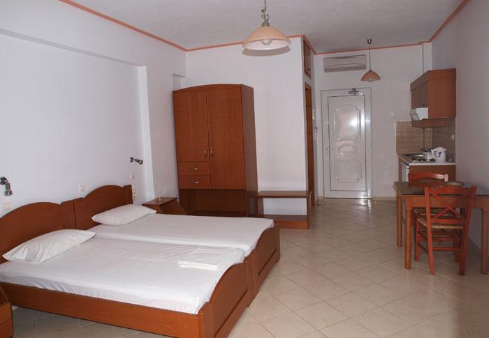 Rooms in Paleochora chania